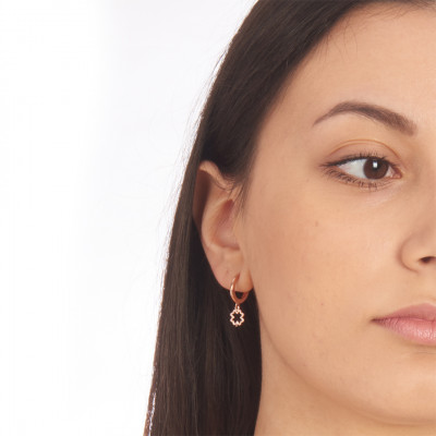 Rose gold-plated mono earring with perforated four-leaf clover