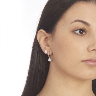 Mono earring with four-leaf clover