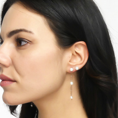 Rose gold plated mono pendant earring with natural dangling pearls
