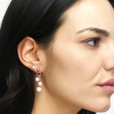Yellow gold-plated tufted earrings with natural pearls