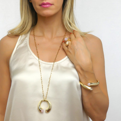 Spring bracelet with rose quartz crystals and moonstone