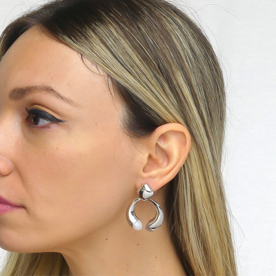 Drop earrings with mother-of-pearl crystals and gray cat-like agate