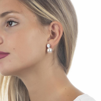 Earrings in the lobe with zircon and white pearl Swarovski