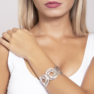 Bracelet band with the decorative pattern to the Vortex and zircons