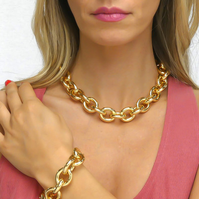 Large yellow bronze Forced necklace