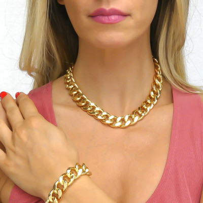 Large yellow bronze curb necklace in beaten finish