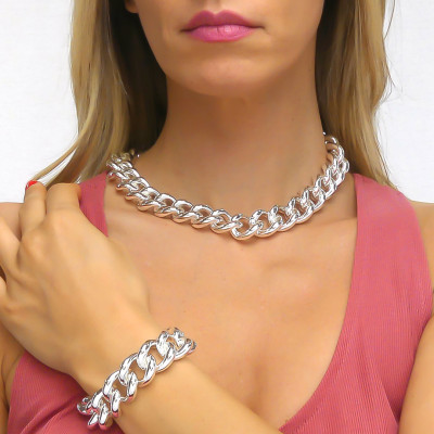 Large silver curb necklace