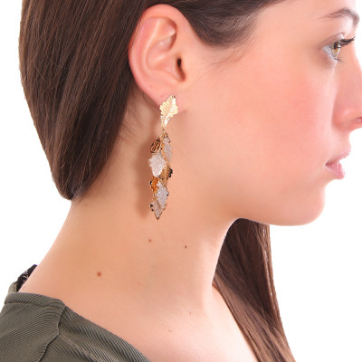 Yellow gold plated tuft earrings with oak leaves