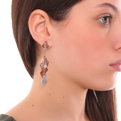 Rose gold plated tuft earrings with oak leaves