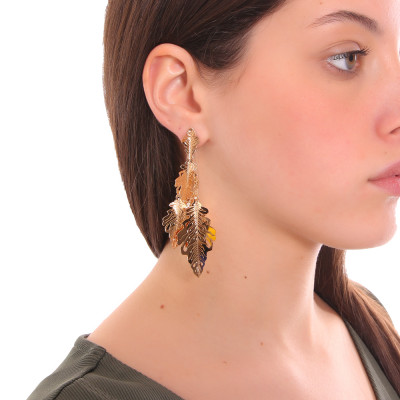 Yellow gold plated pendant earrings with tuft of leaves