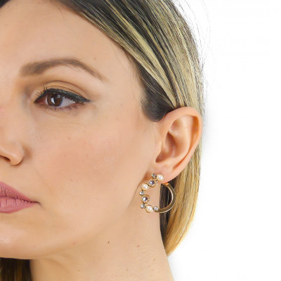Stud earrings with Swarovski crystal, silk and white pearl cabochon