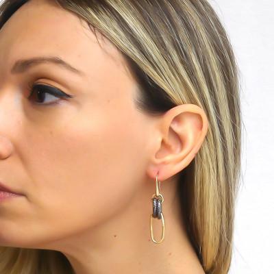 Yellow bronze chain earrings with ruthenium
