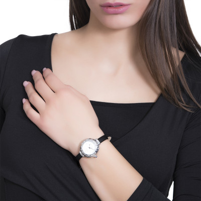 Wristwatch woman with Swarovski, cabochon crown and strap in black leather
