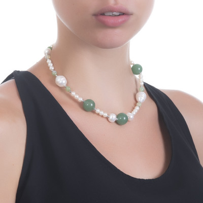 Necklace with natural pearls and aventurine