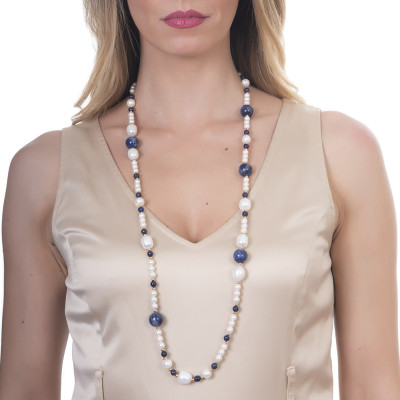 Long necklace with natural pearls, sodalite and lapis lazuli