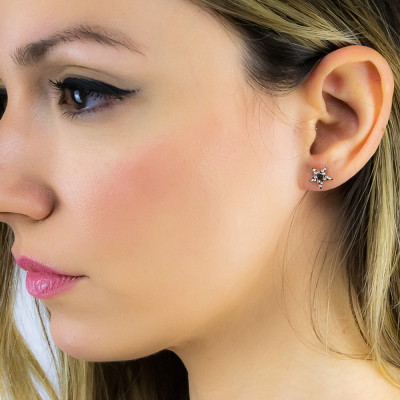 Pink lobe earrings with star