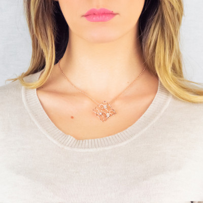 Rosé necklace with mesh and Swarovski texture pendant