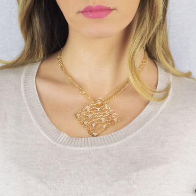 Double golden thread necklace with mesh and Swarovski texture pendant