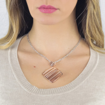 Rosé long necklace with pendant decorated by Swarovski