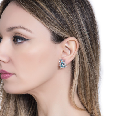 Lobe earrings with scarab