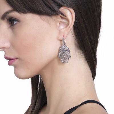 Drop earrings with leaf in black glitter