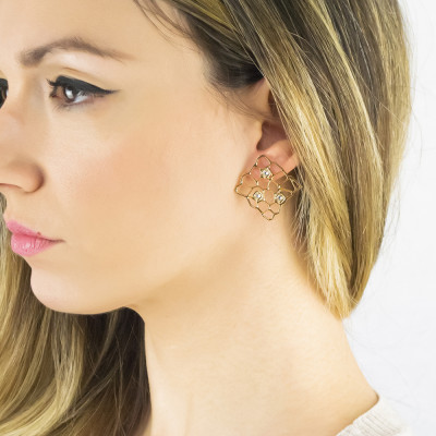 Golden earrings with mesh and Swarovski weave