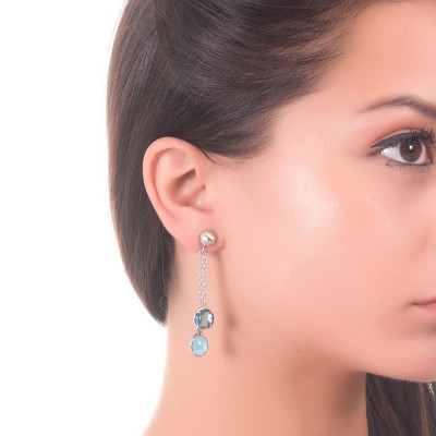 Tufted earrings with sky crystals and light blue milk