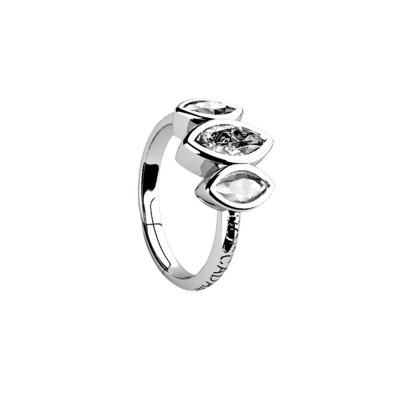 Ring with decoration of zircons to shuttles brilliant cut
