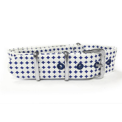 Sartorial strap to blue diamonds