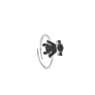 Ring with cubic zirconia girl