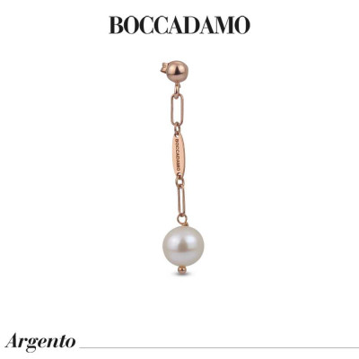 Rose gold plated earrings with natural pearl tuft