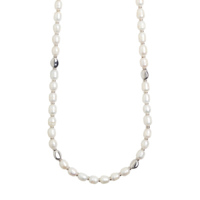 Long necklace with natural baroque pearls and silver interlayers