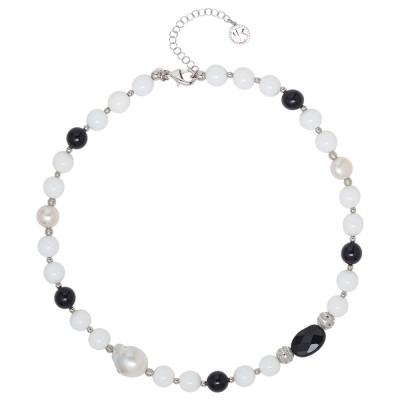 Necklace with natural pearls, obsidian and white agate