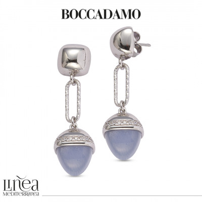 Knitted earrings with a diamond effect and pyramidal crystal in a cat-eye gray agate