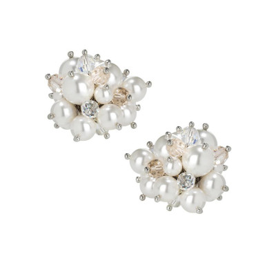 Earrings in the lobe with a bouquet of crystals and Swarovski beads white