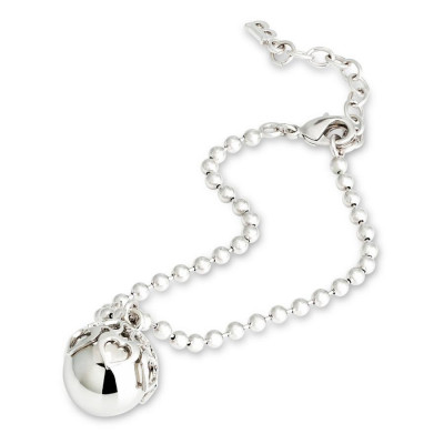 Bracelet with perforated hearts