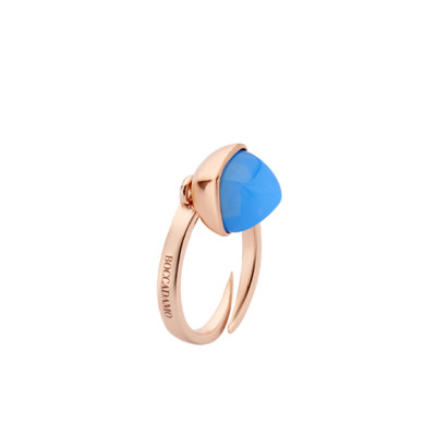 Ring with chalcedony-colored crystal