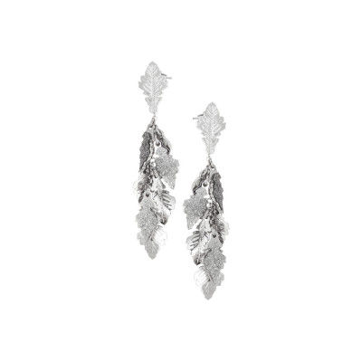 Rhodium tufted earrings with oak leaves