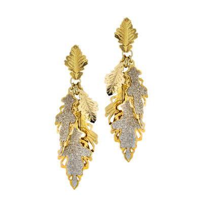 Yellow gold plated earrings with a tuft of smooth and glittery oak leaves