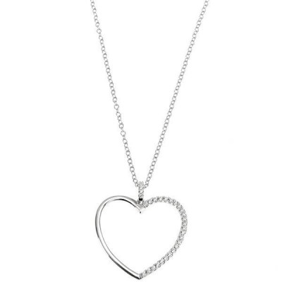 Necklace with a pendant in the heart