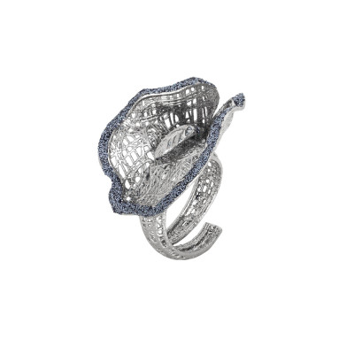 Rhodium-plated ring with black glitter calla